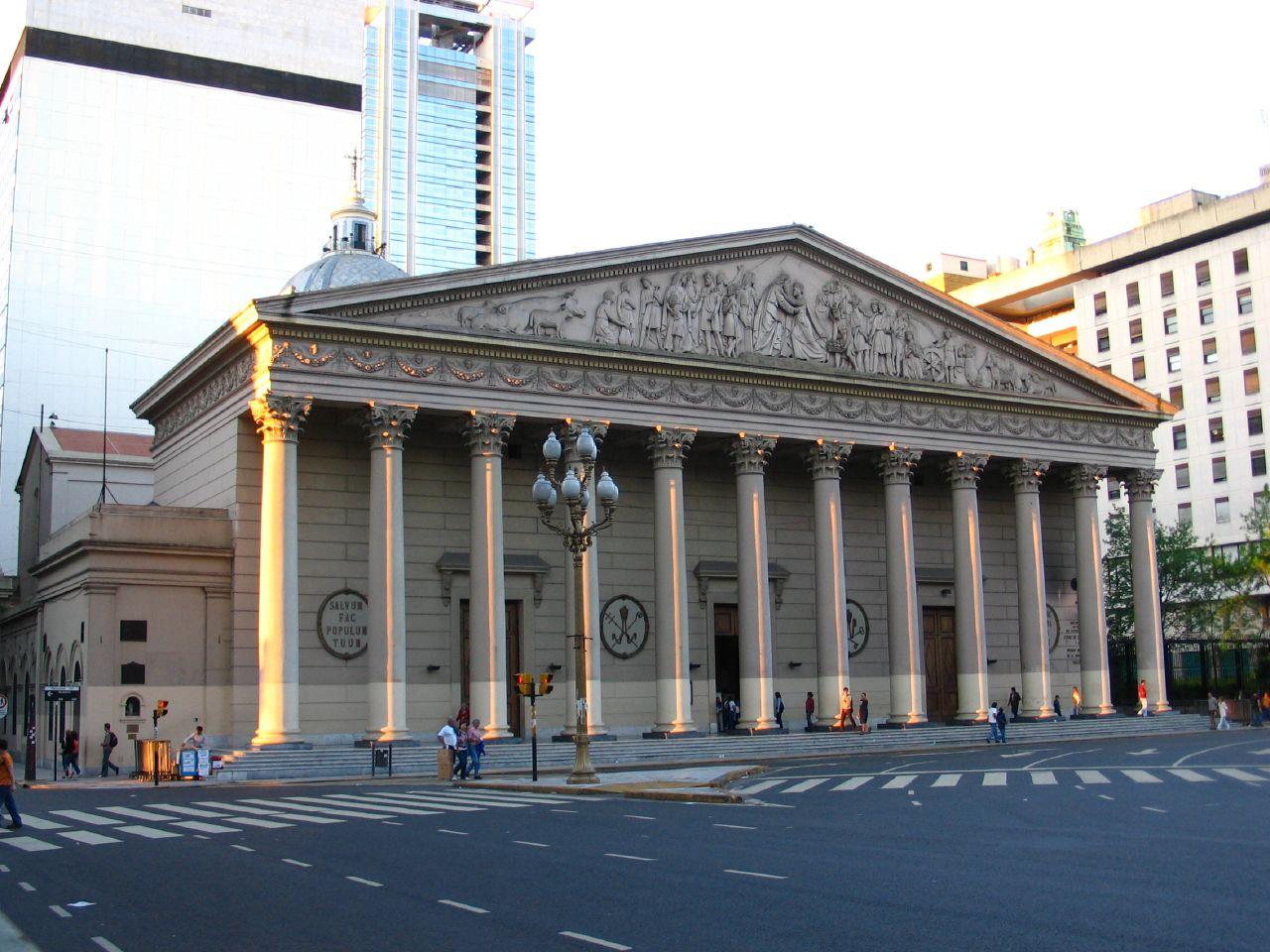 Buenos_Aires-Catedral_Metropolitana_(exterior)