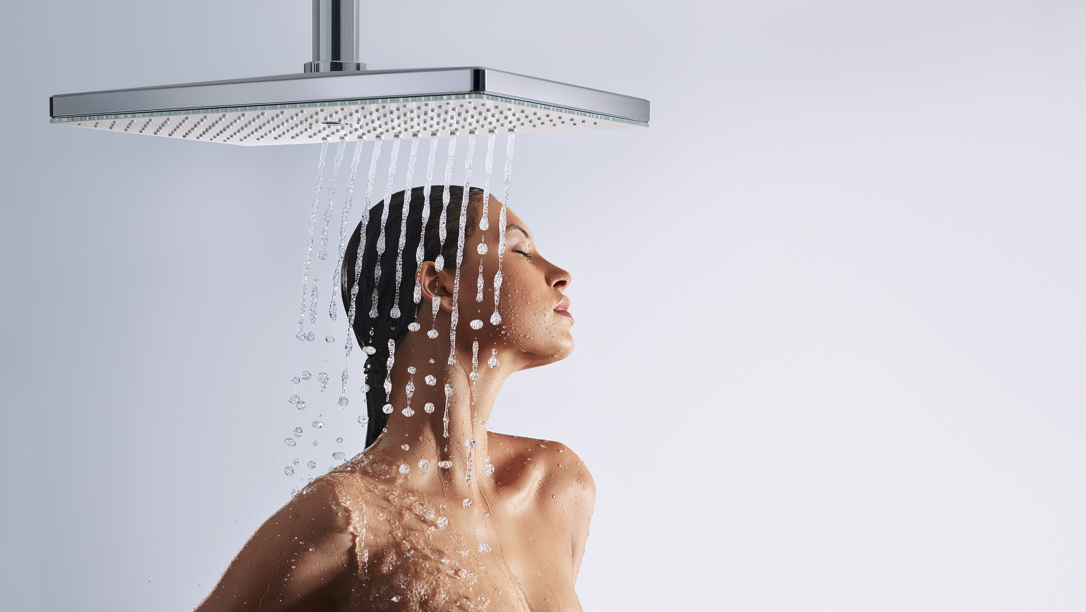 Hansgrohe_RainmakerSelect_460_overheadshower_People_Stream