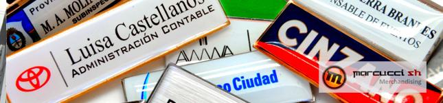 Identificadores – prendedores para Hoteles – Marcucci Merchandising