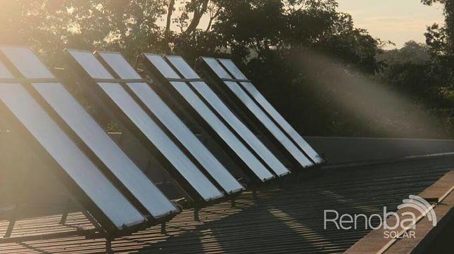 Provision-e-instalacion-de-paneles-solares-para-hoteles-Renoba-Solar-1