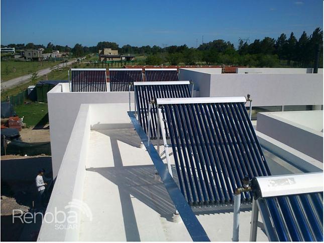 Provision-e-instalacion-de-paneles-solares-para-hoteles-Renoba-Solar-2