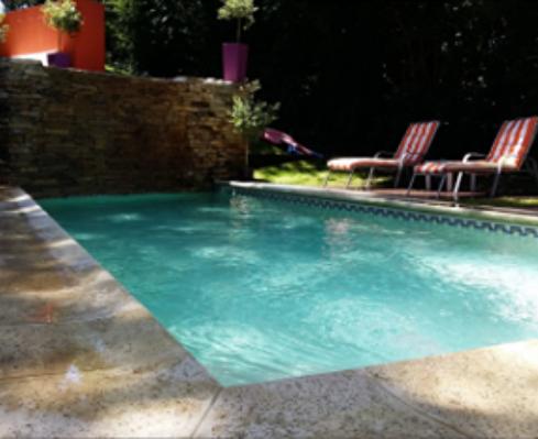 construccion-de-piscinas-en-la-costa-carilo-piscinas-contynua-empresa