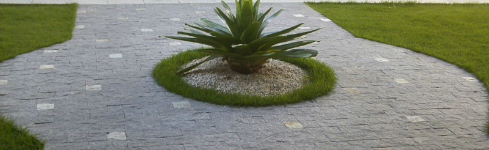 adoquines-naturales-de bajo-espesor-para-exteriores-piedra-miracema-grabado-solido-portada