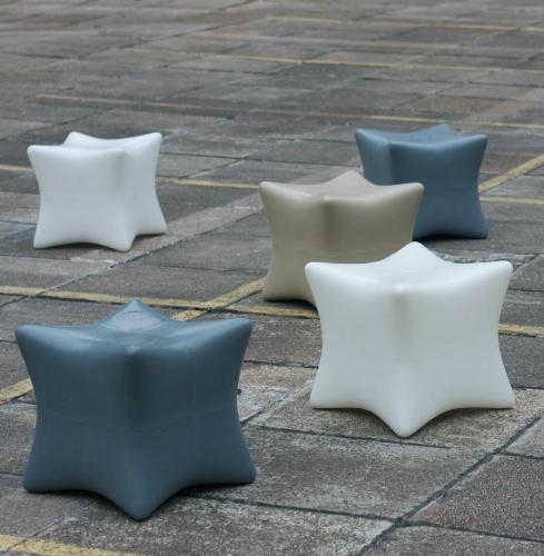 Banquito de diseño para exteriores – 3×3 Taller Estudio