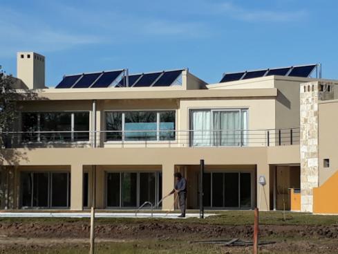 calefaccion-central-solar-para-casas-san-vicente-renoba-solar-2