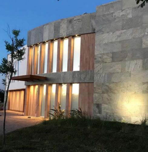 Revestimientos en piedra natural flexible en Nordelta – Pedraflex