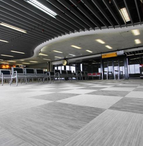 Baldosas en PVC trenzado alto tránsito para aeropuertos – Curitiba – Floorflex