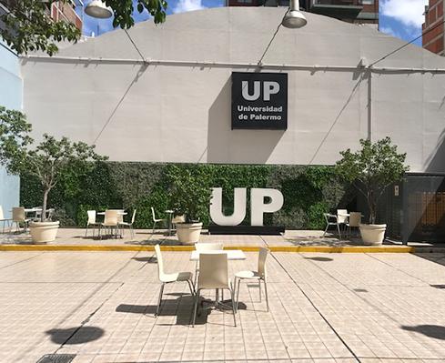 Jardín vertical sin mantenimiento para universidades – Just Green