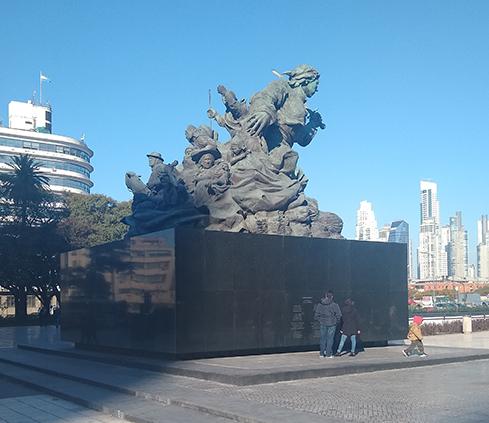 Revestimiento en granito para el Monumento Juana Azurduy- Vinvimarmi