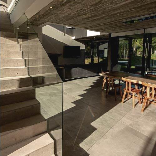 Casas en hormigón visto – Costa Esmeralda – Arquitecto Horacio Cáceres