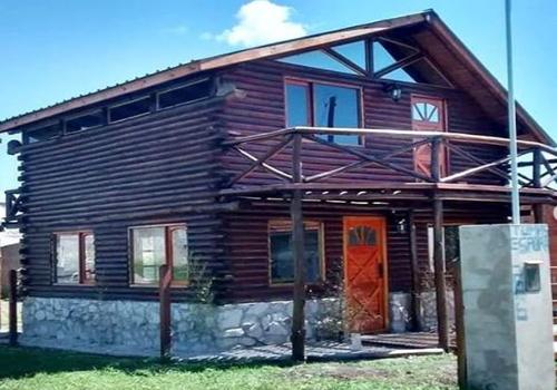 Casas construidas con troncos de madera – Costa Atlántica – RV construcciones
