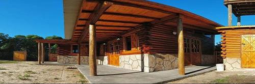 construcción de cabañas en troncos
